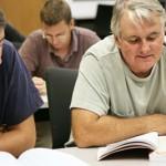 adultos-estudiando